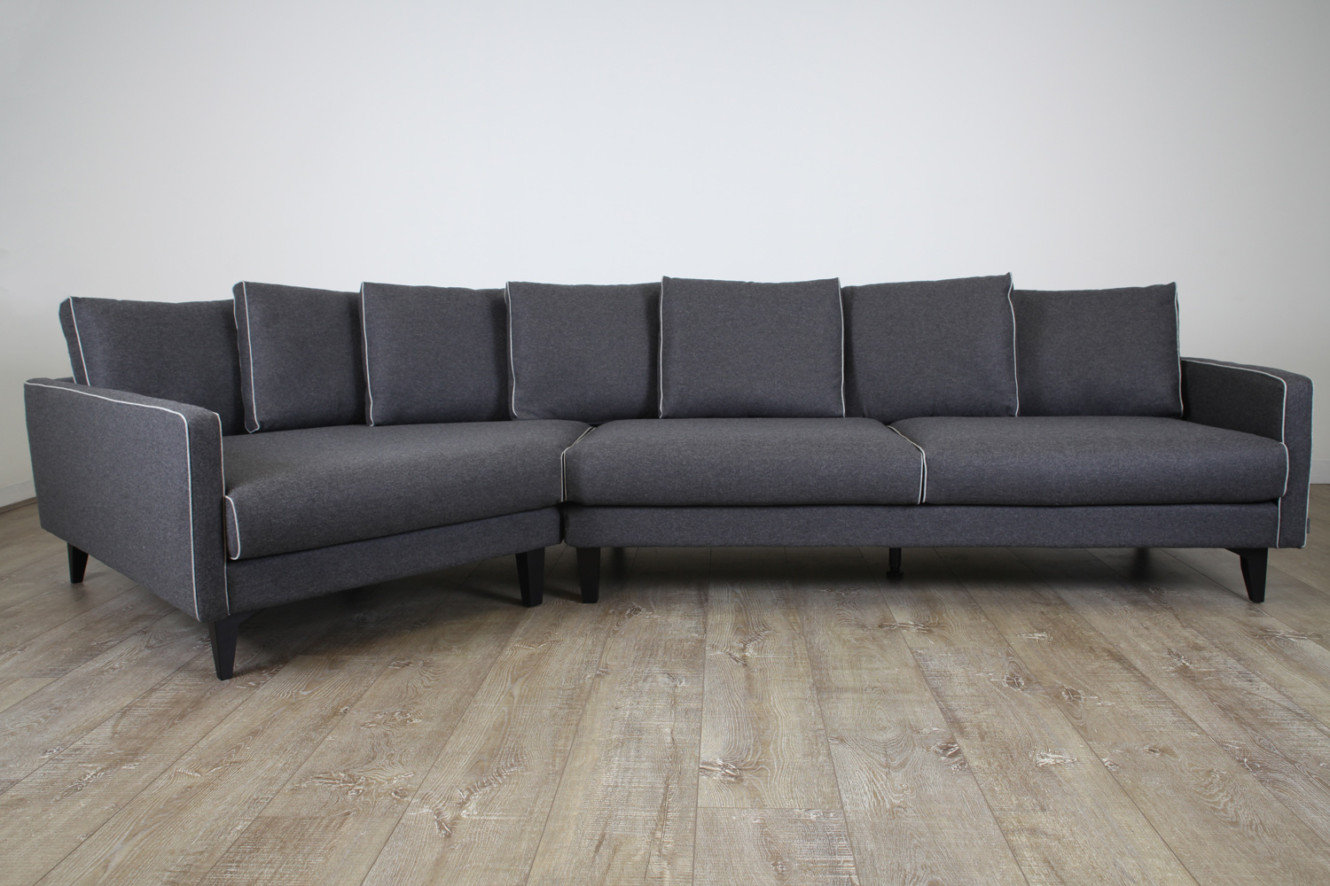 Camille-Sofa-Dark-Grey-the-rug-collection-02