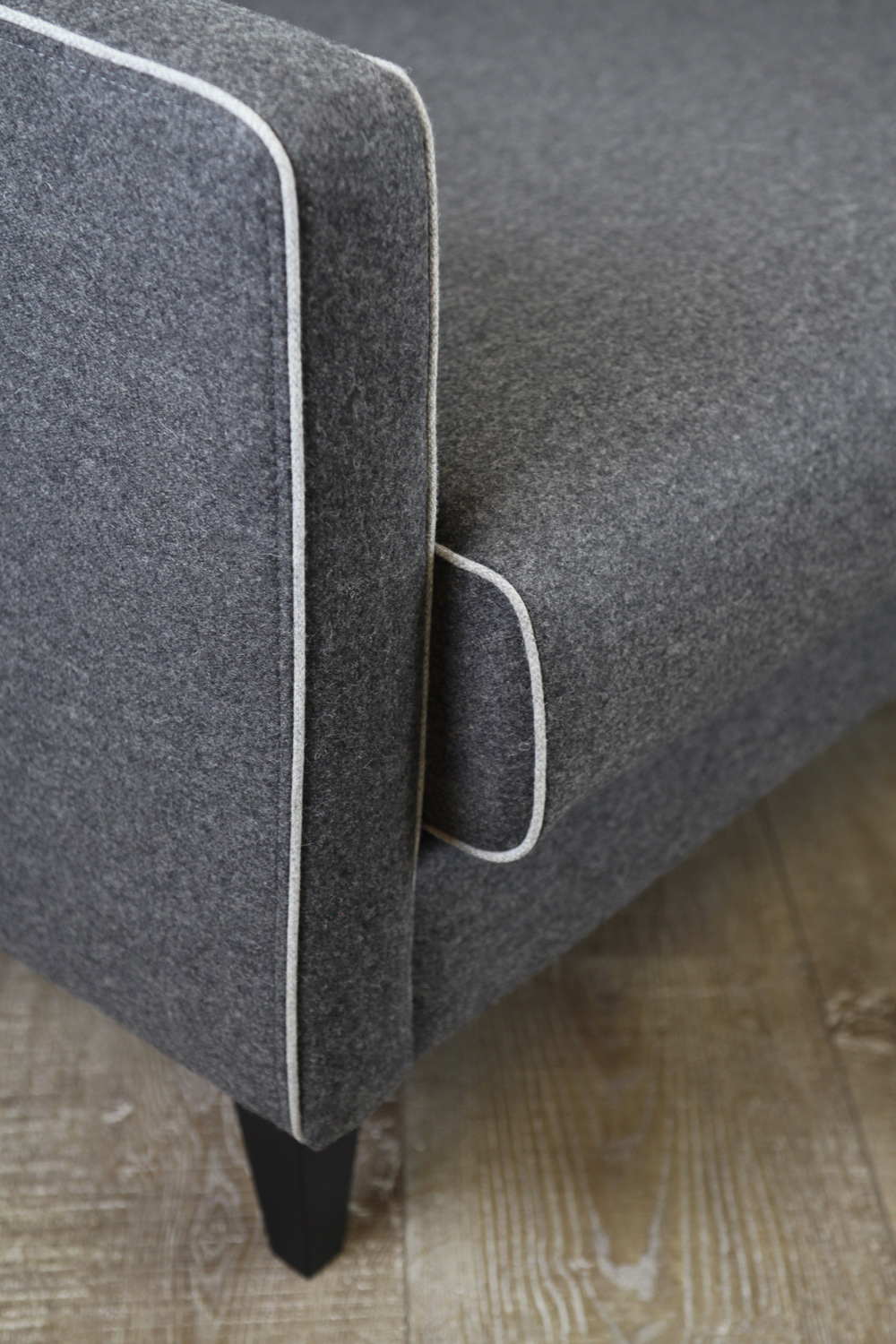Camille-Sofa-Dark-Grey-the-rug-collection-03